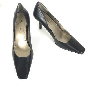 Anne Klein Akrishon Leather Heels Size 8 Black